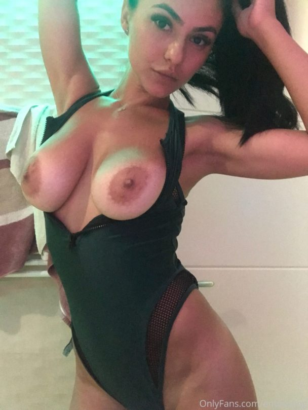 Emmazing Nude New Photo Gallery And Videos - 5