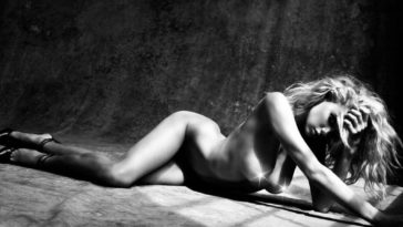 Nude Charlotte McKinney is Sure to Get You Off 15