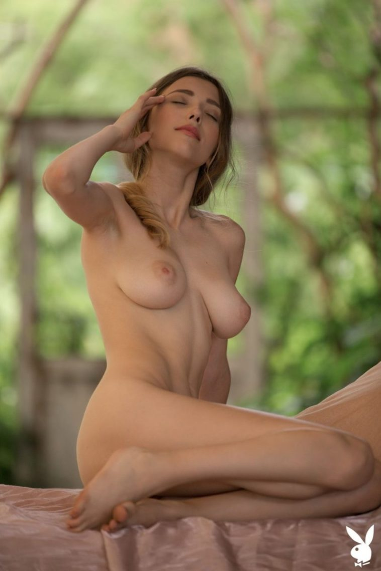 Busty Beauty Mila Azul Shows Off in the Nude 7