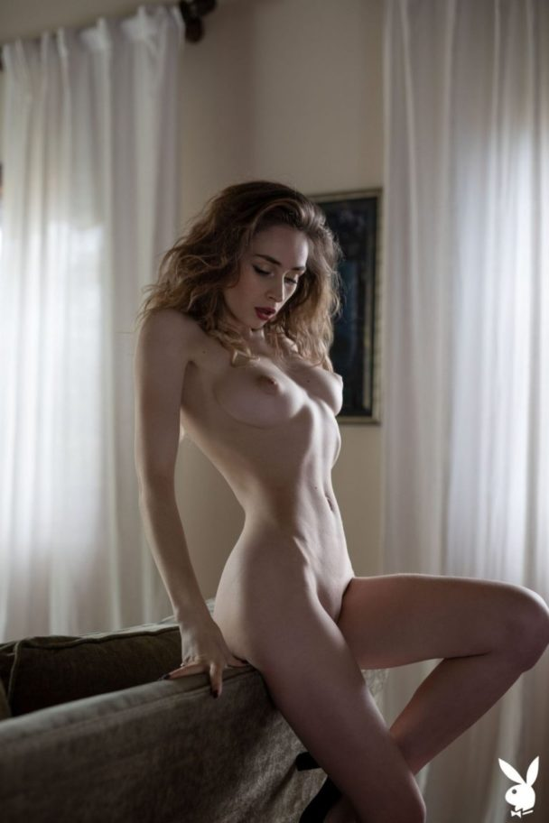 Naked Yana West Flaunting Her Big Natural Breasts 5
