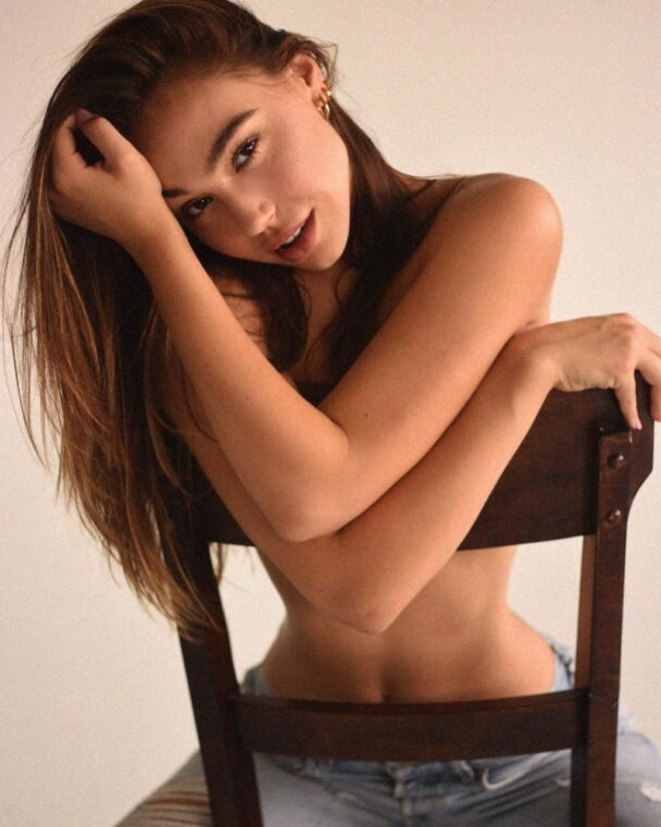 Lithe Beauty Alexis Ren Looking Sexy and Teasing You 12