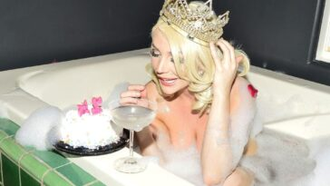 Courtney Stodden Celebrates Her Special Day in the Nude 16