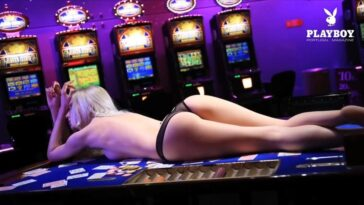 Casino Cutie Monica Wasp Posing Naked Next to Slots 16
