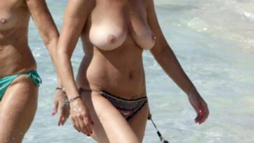 Topless Granny Francesca Mozer Shows Her Wrinkly Tits 14