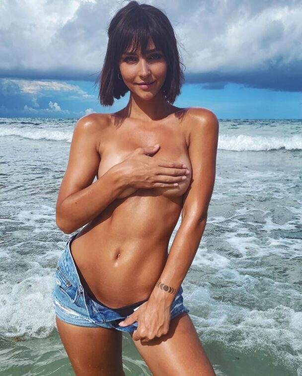 Rachel Cook Topless 9