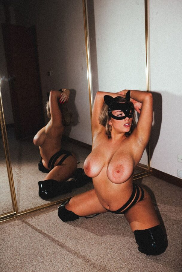 Avalon Hope Nude Big Tits Onlyfans Gallery - 9