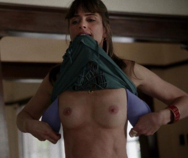 Amanda Peet's Naked Boobs to Get You Hard 7