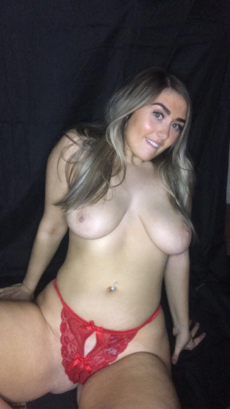 Chubby Blonde Erika O'Sullivan Shows Her Pussy and More 7