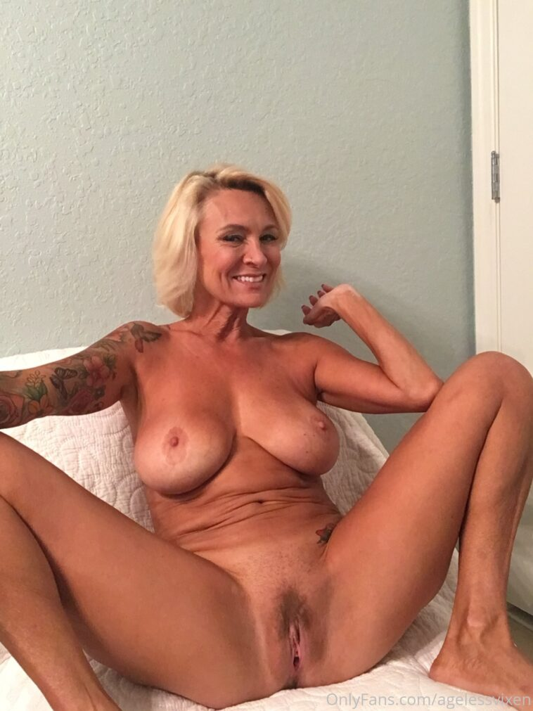 Agelessvixen Nude Onlyfans Gallery Pussy Play - 7