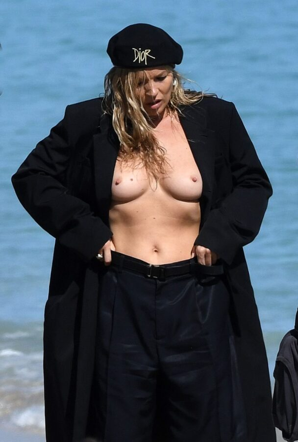 Kate Moss Showing Her Beautiful Breasts on the Set 12