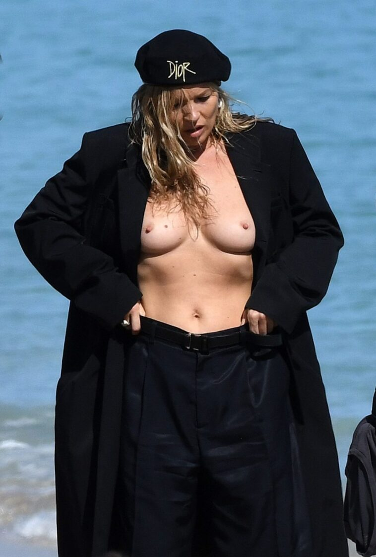 Kate Moss Showing Her Beautiful Breasts on the Set 7