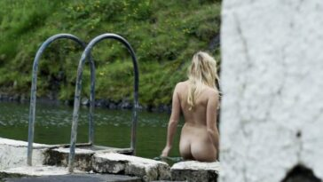 Fresh Collection of Steamy Maika Monroe Pictures 23