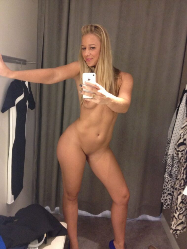 Megan Wilson Bends Over to Show Her Yummy Cunt 7