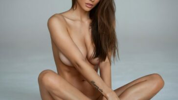 Viki Odintcova Shows Her Nude Body for the Fans 10