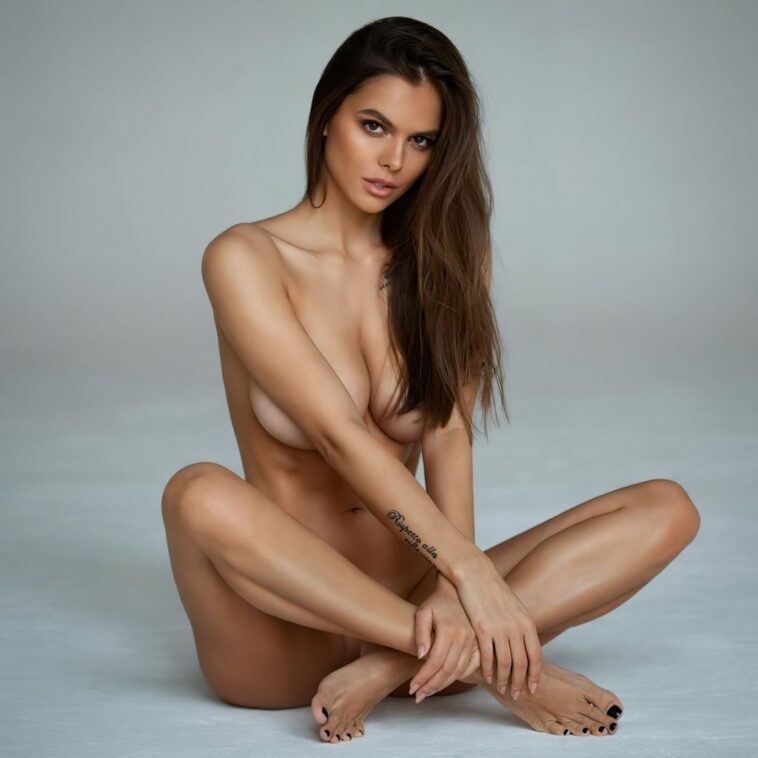 Viki Odintcova Shows Her Nude Body for the Fans 7