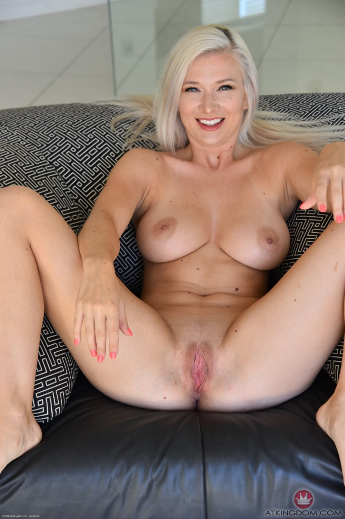 Emily Right Nude Onlyfans Gallery Leaked - 7