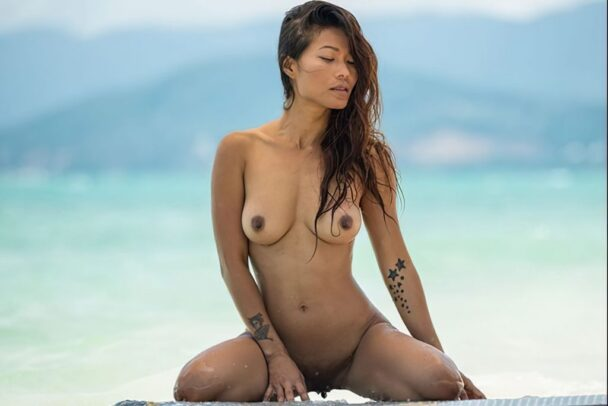 Naked Maki Katana Strikes Sexy Poses on the Beach 2