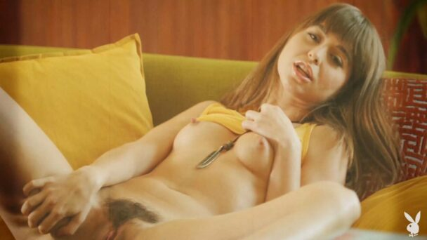 Naked Riley Reid Showing Her Hairy Pussy and Armpits 4