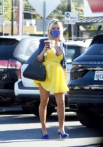 Holly Madison Cleavage 21