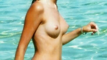 Alba Flores Topless 23