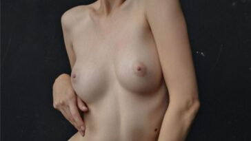 Kate Homi Topless 34