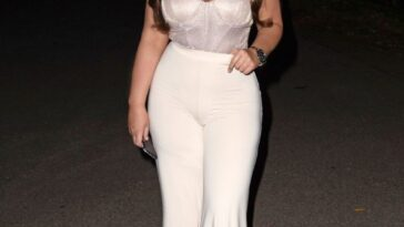 Lauren Goodger Cleavage 17