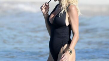 Victoria Silvstedt Hot 21
