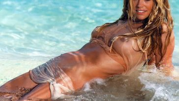 Denise Richards Naked 17