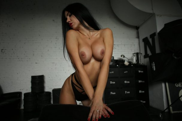 Yana Sexy Brunette's Tits Porn OnlyFans Leaked Gallery 4