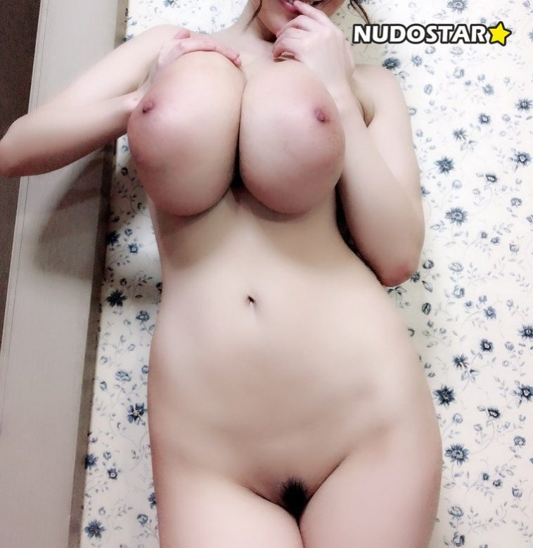 Hitomi Tanaka – hitomi_official OnlyFans Leaks (23 Photos + 6 Videos) 7