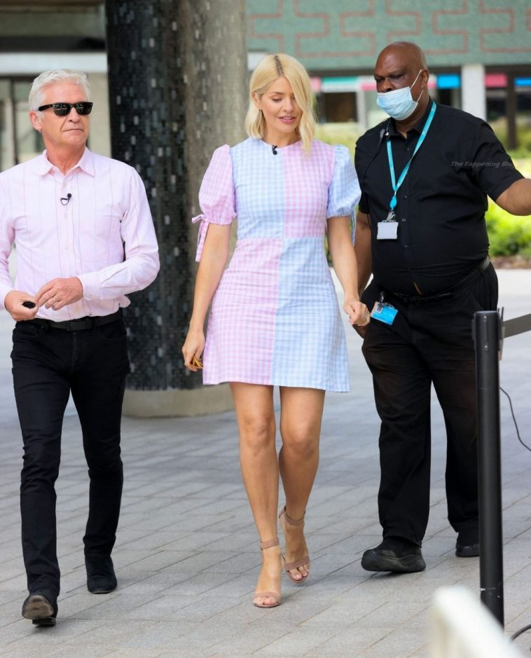 Holly Willoughby Erotic 7
